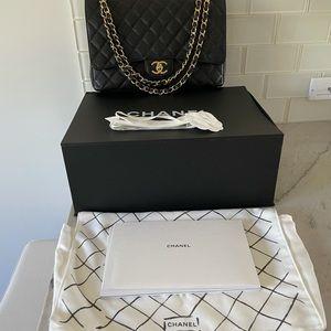 Chanel classic flap maxi bag caviar black w/gold